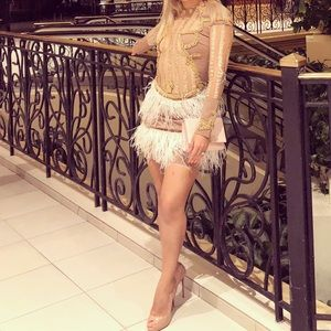 Dresses & Skirts - Gorgeous Feather Dress